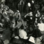 Foto von den Dreharbeiten - Rückseitig handschriftlich: Mein Onkel Richard Tauber. (Anm. Robert Hasé)